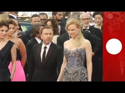 Festival de Cannes 2014 : Blake Lively, Nicole Kidman et le jury sur le tapis rouge