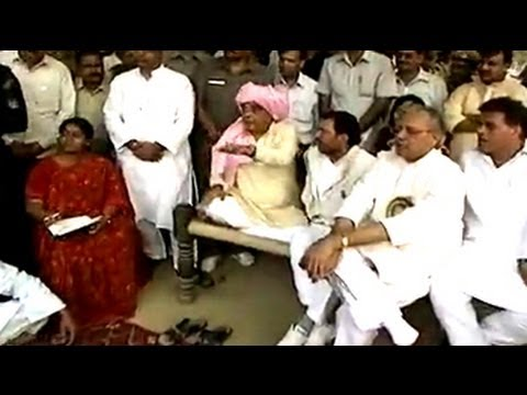 Mukhyamantri Chale Gaon: CM Hooda meets villagers at Badshahpur (Aired: Nov 2005)