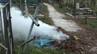 Ard frunze și deșeuri toxice la cimitirul de pe Decebal