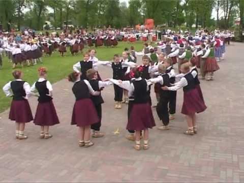 Смотреть видео Латвийские дети будут танцевать в Вентспилсе
