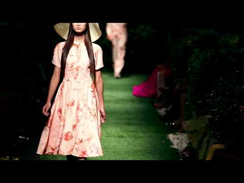 Do Manh Cuong - Spring/Summer 2013 - Le Jardin - Part 01 (Morning)