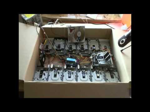 Miniatura del vídeo Tainted Love played by Floppy Disc Drives - now with vocals by Marc Almond himself!
