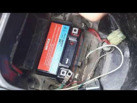 Cách kiểm tra và thay ắc quy xe máy ở một số dòng xe phổ thông
