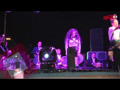 اتفرج| مروة تقدم فقرة راقصة عن «التحرش» احتفالا بشم النسيم