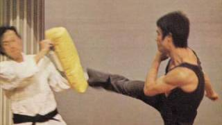 Bruce Lee's Physical Fitness *The Greatest Martial Artist