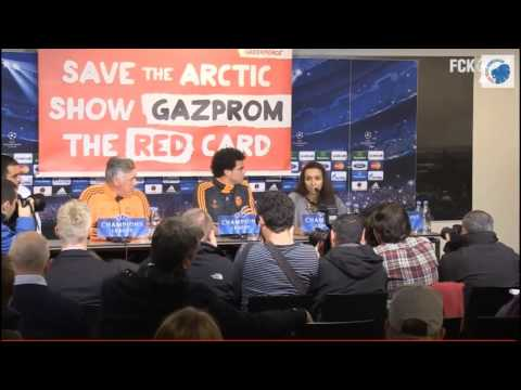 Greenpeace Gazprom banner at Real Madrid press conference