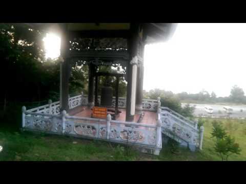 Viếng thăm mộ Đại tướng Võ Nguyên Giáp
