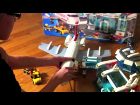 H 236 nh nh trong video lego 7894 city airport