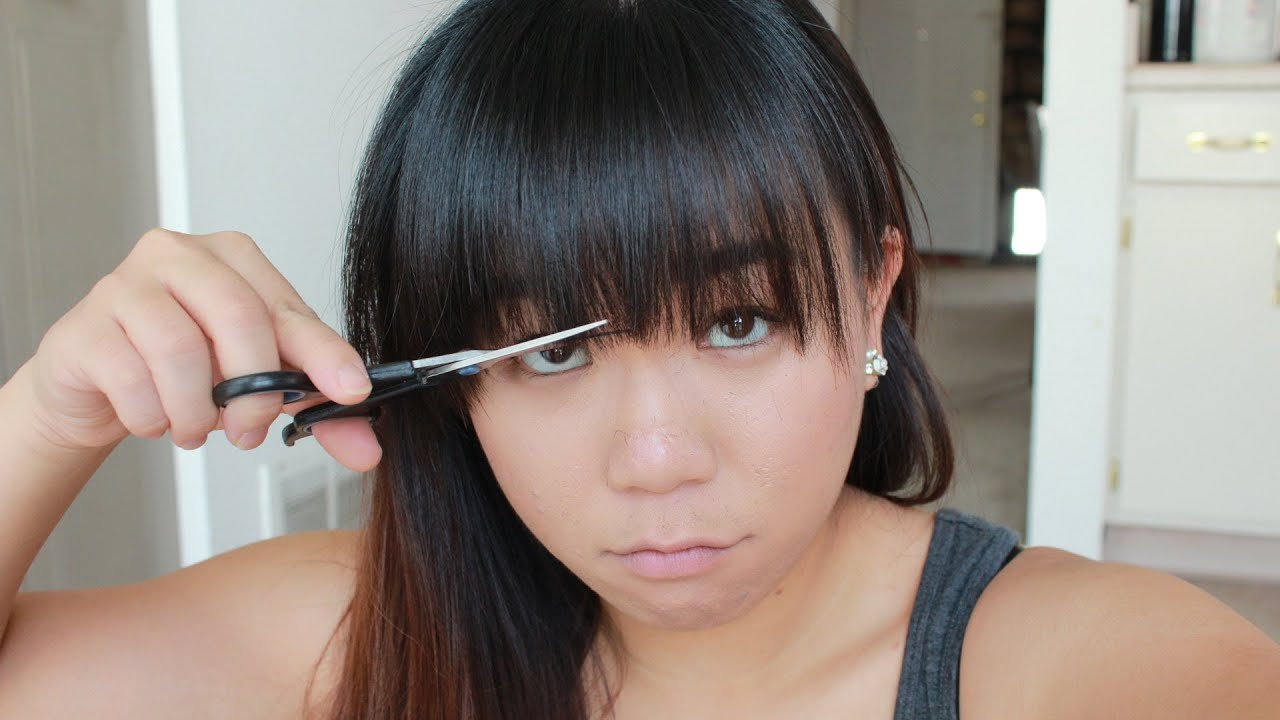 how to cut straight bangs