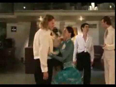 Video clip- Khiêu vũ thoát y .flv