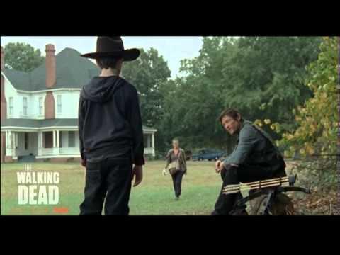TWD Season 2 RECOPILACIÓN DELETED SCENE, Únete a la pagina http://www.facebook.com/TheWalkingDeadFanPagePeru únete al grupo http://www.facebook.com/groups/345971665464865/ Mi pagina personal http://...