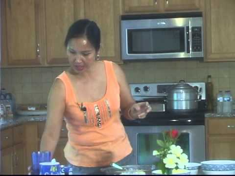 3073 074 VietnameseandNashville EP74Cooking  Banh Gia Lon by My Lan 08 01 to 08 22 2013
