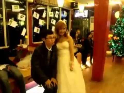 Đám cưới đồng tính ồn ào nhất Việt Nam của đôi bạn sinh viên