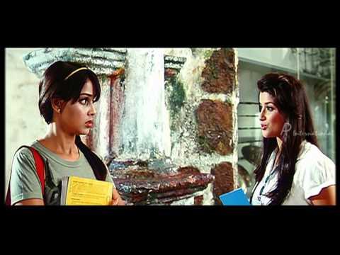 Genelia D'Souza meets Ram Charan Teja's girl friends