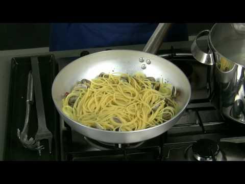 Spaghetti alle vongole -QPN1rxOd0-8