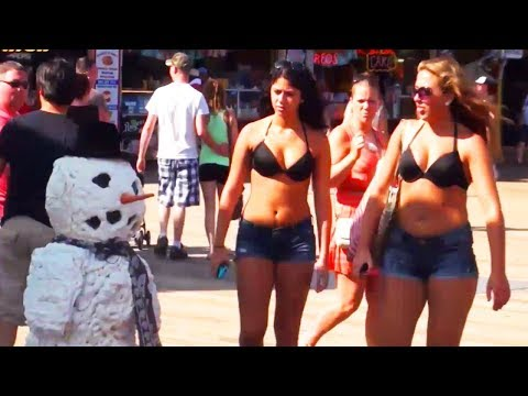 Funny Videos - Epic Pee Prank Meets Scary Snowman Prank, Epic Pee Prank Meets Scary Snowman Prank