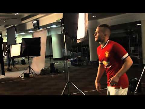 Manchester United New Kit 2014/15 Behind The Scenes