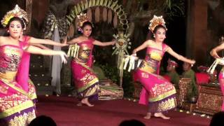 Gabor Dance Performance at Ubud Royal Palace