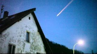 Komet über Deutschland Am 24.12.2011 Комета или