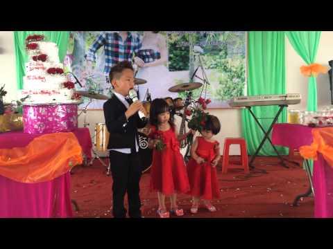 Nắng Ấm Xa Dần - 6 tuổi chưa biết chữ live in Tân Hà
