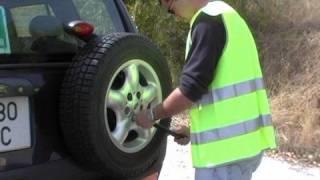 Aprende a cambiar un neumático de coche