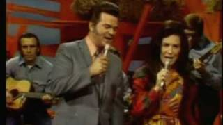 Conway Twitty & Loretta Lynn Pickin' Wild Mountain