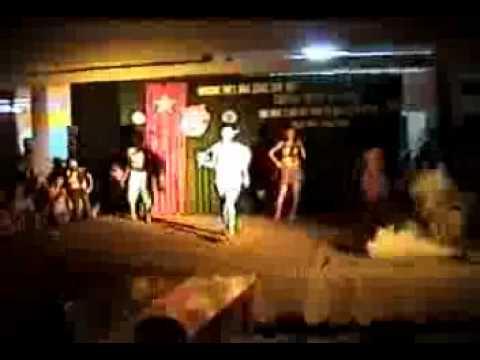 Friends Group 12a1 trường Tam Hiệp - Biểu diễn thời trang 12a1(Hot Hot) phần 1.flv