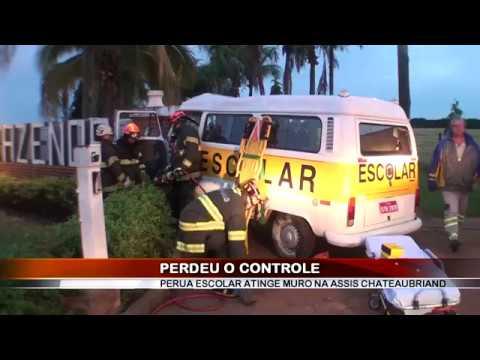 16/04/2018 - Acidente envolvendo Perua Escolar na Rodovia Assis Chateaubriand em Barretos deixa 6 feridos