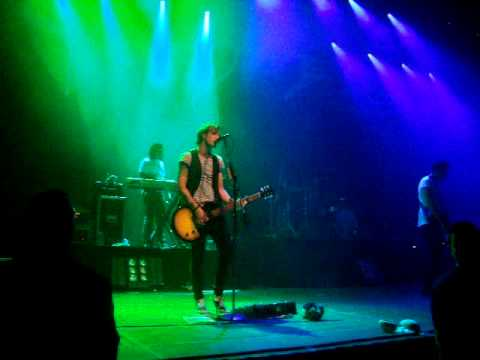 McFly - Tranny (só o começo sexy do dougie) - Porto Alegre 26/05/11