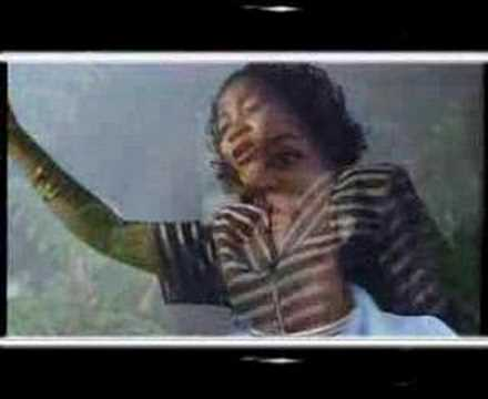 Angela Chibalonza - Yahwe Uhimidiwe Video