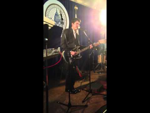 Darren Criss Performing Teenage Dream for Vice President Biden