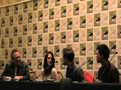 2011 Comic-Con Press Conference: Robert Pattinson, Kristen Stewart, Taylor Lautner, Bill Condon