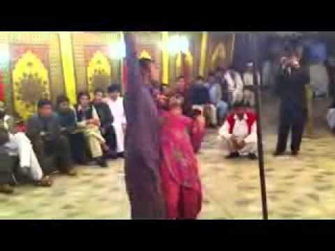 Afghan New song 2012 very mast dance bacha bazi - YouTube_2