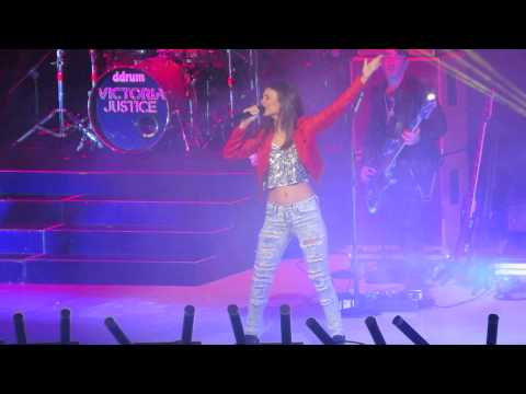 Victoria Justice - Shake Live @ Del Mar, CA, Summer Break Tour 6/22/13