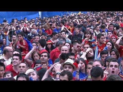 Spain mourns end of era for weary heroes