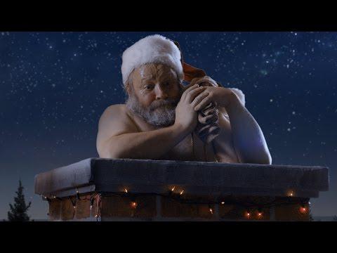 Новогодишна реклама со Дедо Мраз која морате да ја видите!
