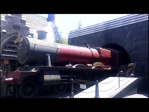 Hogwarts Express Steam Locomotive 5972