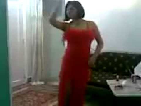 le rouge qui bouge - a7la banat Youtube 2012