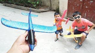 Trò Chơi Phi Máy Bay Xốp ♥ Bé Bắp   CreativeKids ♥ Đồ Chơi Trẻ Em