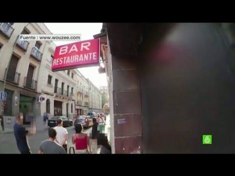 Un grupo de antifascistas carga contra los okupas falangistas de Tetuán