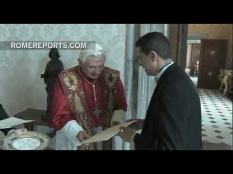 Pope Francis says goodbye to youngest ambassador to the Holy See