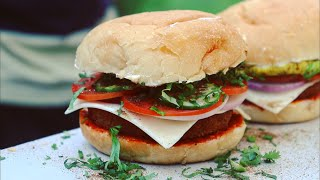 India's Tastiest Burger, You will forget McDonald's after eating it... ~ Indian Street Food