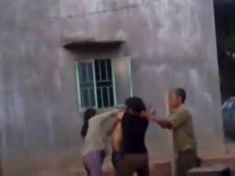 Cha Chồng, anh chồng đánh con dâu (em dâu) cướp nhà, đất của cháu