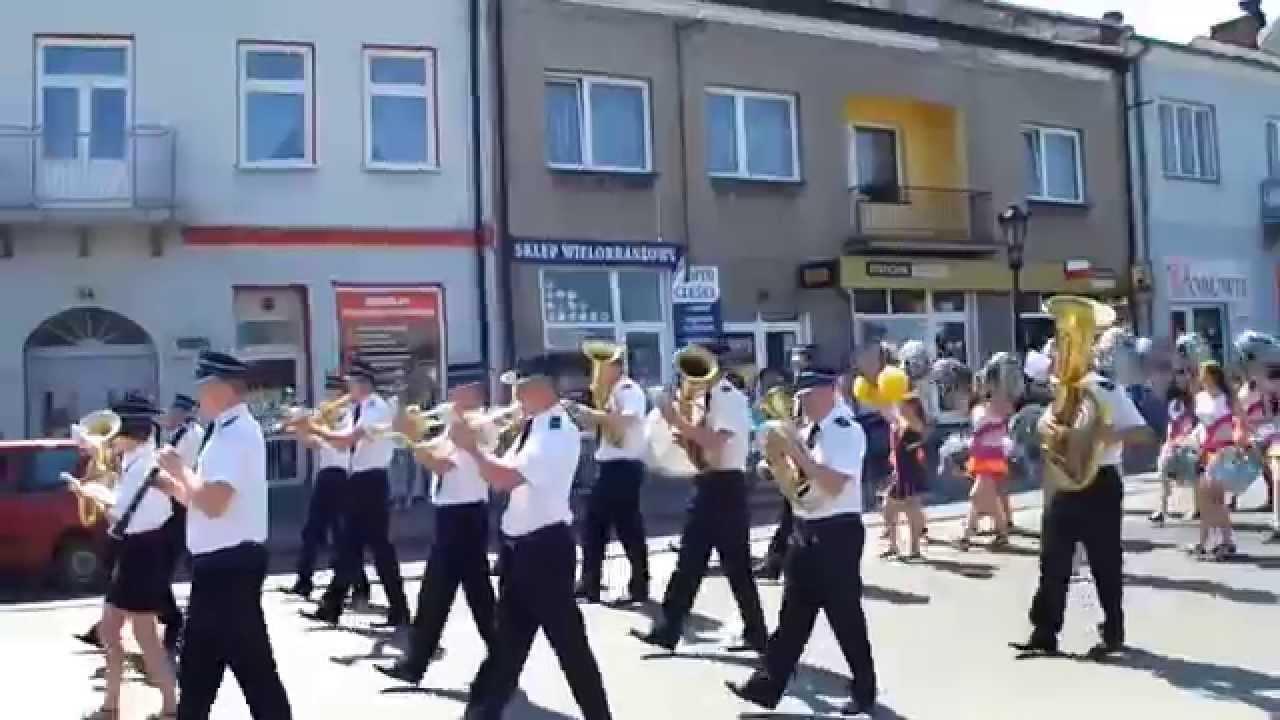Piknik rodzinny 2014 korowod ulicami Pilicy - YouTube