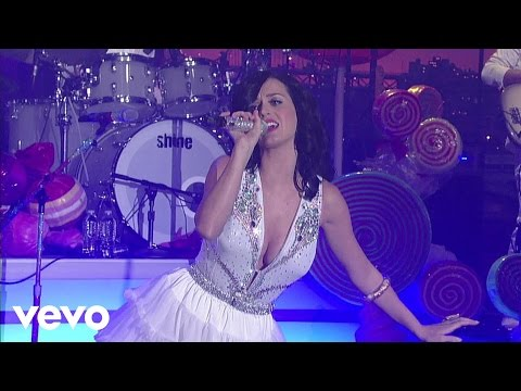 Katy Perry - I Kissed a Girl - live
