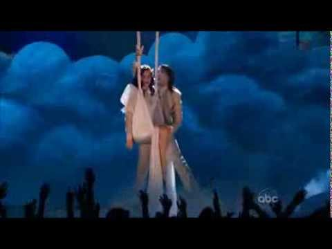 Katy Perry - Wide Awake (Billboard Music Awards 2012) -QmJRi2gU9AA