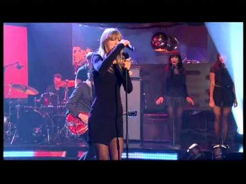 TAYLOR SWIFT TROUBLE LIVE : PERFORMANCE THE GRAHAM NORTON SHOW FRIDAY February 22, 2013, ENJOY PLEASE SUBSCRIBE SUPPORT THE AMAZING TAYLOR SWIFT SINGS BRAND NEW SINGLE TROUBLE LIVE @ THE GRAHAM NORTON SHOW FRIDAY February 22, 2013 http://youtu.be...