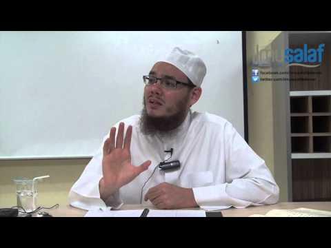 Ustaz Idris Sulaiman - Duduk di Belakang & Tidak Ikut Berjemaah dengan Alasan :