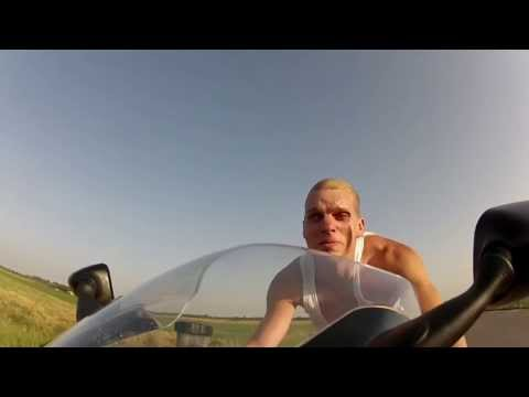 Crazy Man Rides Street at 240 km/h Without Helmet or any protection