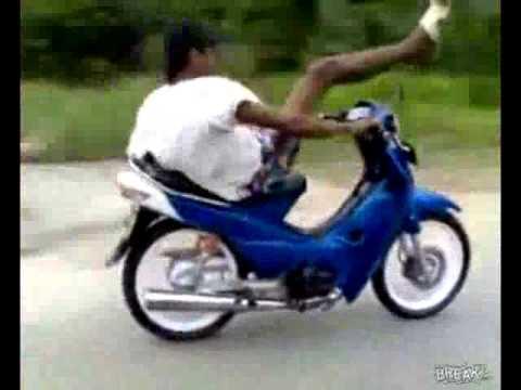 Siêu nhân đi xe máy